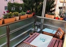 München Neuhausen Wohnung –Balkon mit Blumen